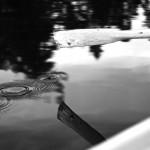 4. BåtturIsabelle Borgencrantz Även här en välkomponerad bild med lugn diagonal rörelsesom harmonierar väl med vattenringarna från årbladet. En förtjänst är att fotografen valt att visa bilden i svartvitt!